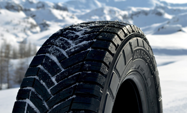 edito picture agilis cc tyre with snow tyre