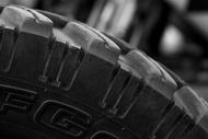 background header tire