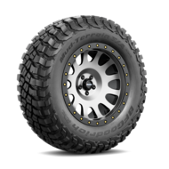 4w 354 3528700726046 tire bfgoodrich mud terrain t slash a km3 265 slash 70 r17 121q lre a main 2 55