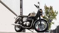 Moto Editorial pilot activ 4 Neumáticos