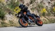 Moto Editorial road5 ktm 650duker 020 Neumáticos
