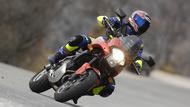 moto editorial pilot road 2 3 neumáticos