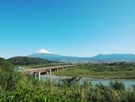 富士川から眺める富士山