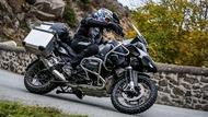 Motorcykel Tidningsledare anakee wild 22 tyres two thirds Däck