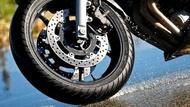 Motorcykel Tidningsledare moto edito pilot road 3 10 tyres two thirds Däck