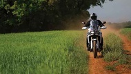 Moto Editor carroussel 3 aa two thirds Llantas