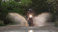 Moto Editor carroussel 4 aa two thirds Llantas