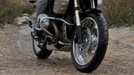 Moto Éditorial anakee3 1 Pneus