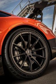 PILOT SPORT CUP 2R x Mercedes AMG GT BlackSeries 1