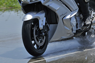 michelin photos road5 gt fontange wet yamaha fjr 2017 pc4277